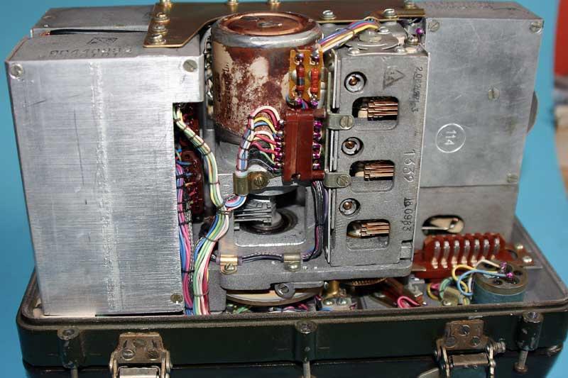 Radio R-105M-UM2/3