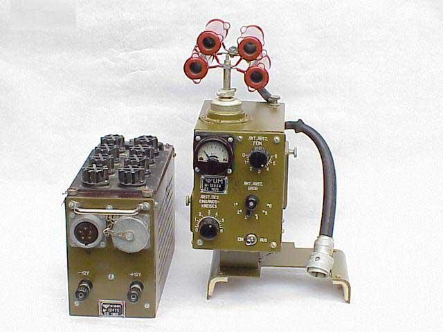 Radio R-105/108D
